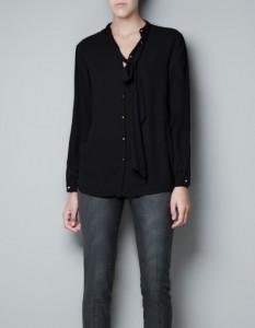 Blusa con lazos y pliegues Zara